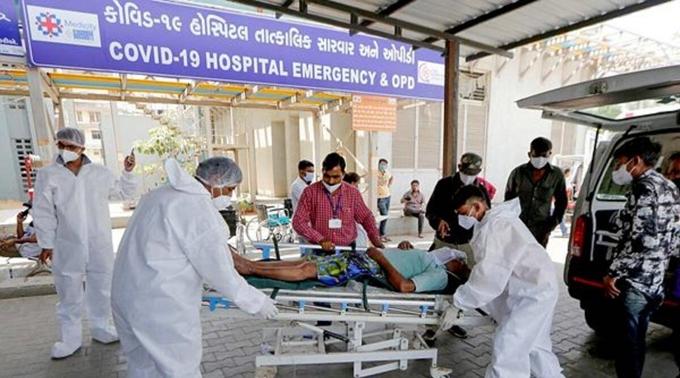 Liên tiếp trong những ngày qua, Ấn Độ ghi nhận số ca nhiễm mới cao kỷ lục trong một ngày (Ảnh: The Indian Express)
