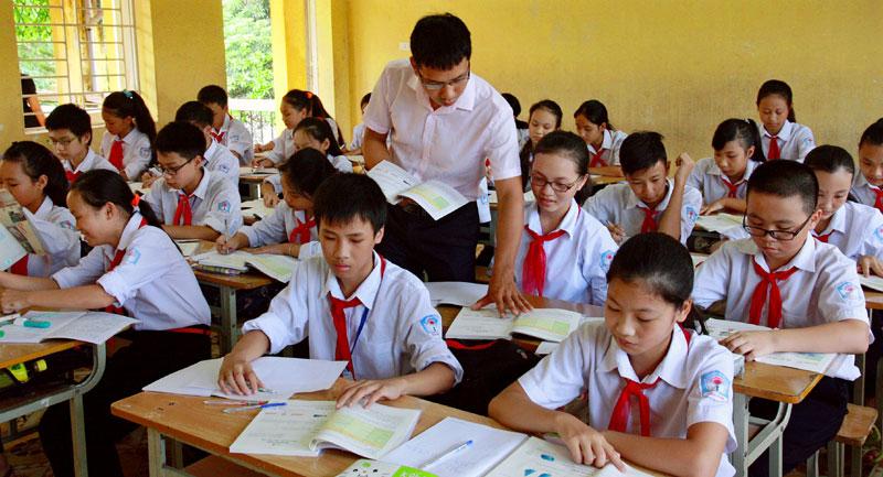 Bộ Giáo dục và Đào tạo đề nghị các địa phương giữ ổn định mức học phí của năm học 2021-2022 như năm học 2020-2021. (Nguồn internet)