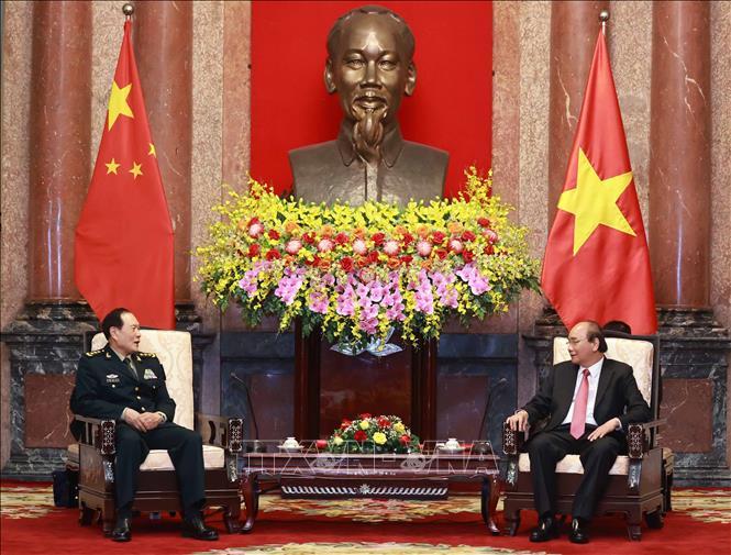 Chủ tịch nước Nguyễn Xuân Phúc tiếp Bộ trưởng Bộ Quốc phòng Trung Quốc Ngụy Phượng Hòa. Ảnh: Thống Nhất/TTXVN