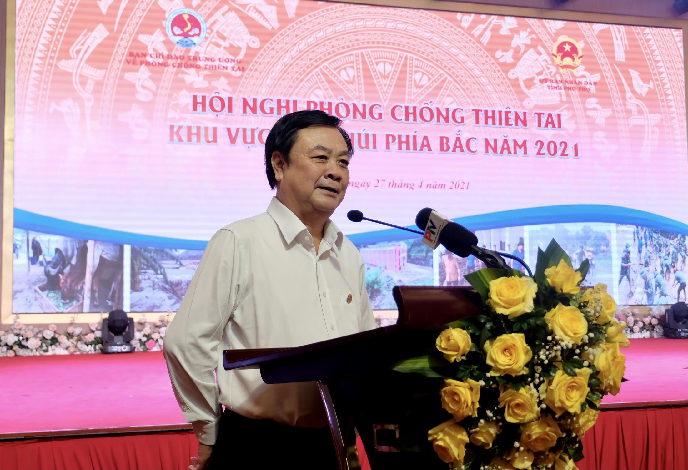 Ông Lê Minh Hoan, Ủy viên Trung ương Đảng, Phó trưởng Ban Thường trực Ban Chỉ đạo Trung ương về PCTT, Bộ trưởng Bộ Nông nghiệp và PTNT phát biểu tại Hội nghị