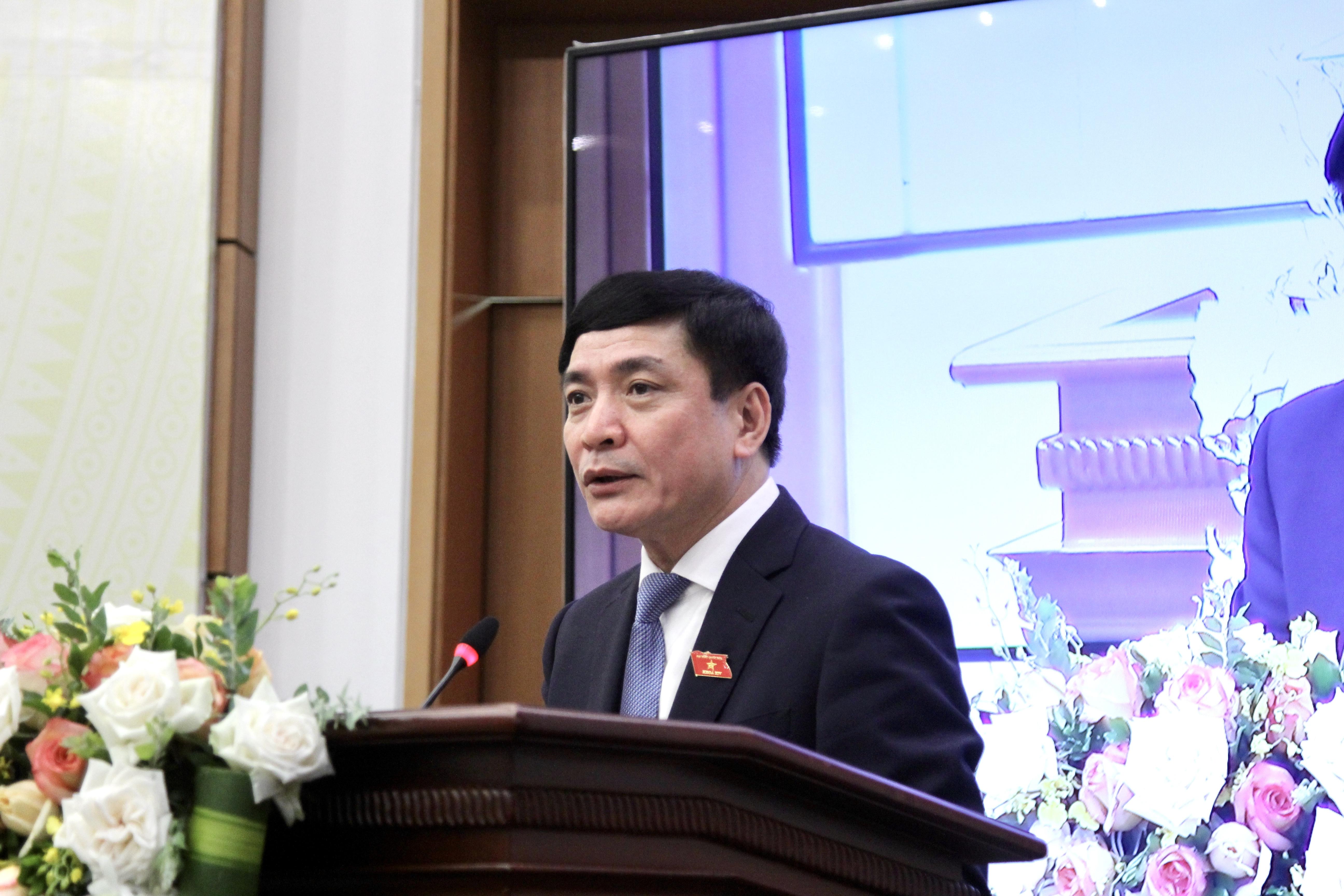 Ông Bùi Văn Cường, ổng Thư ký, Chủ nhiệm Văn phòng Quốc hội, Chánh Văn phòng Hội đồng bầu cử Quốc gia phát biểu tại họp báo
