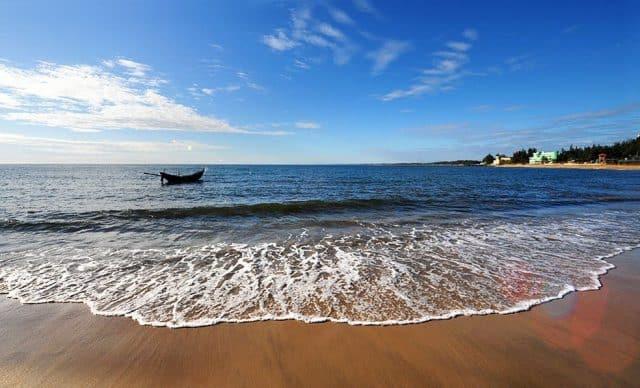 Vẻ đẹp biển Cửa Tùng (Quảng Trị)