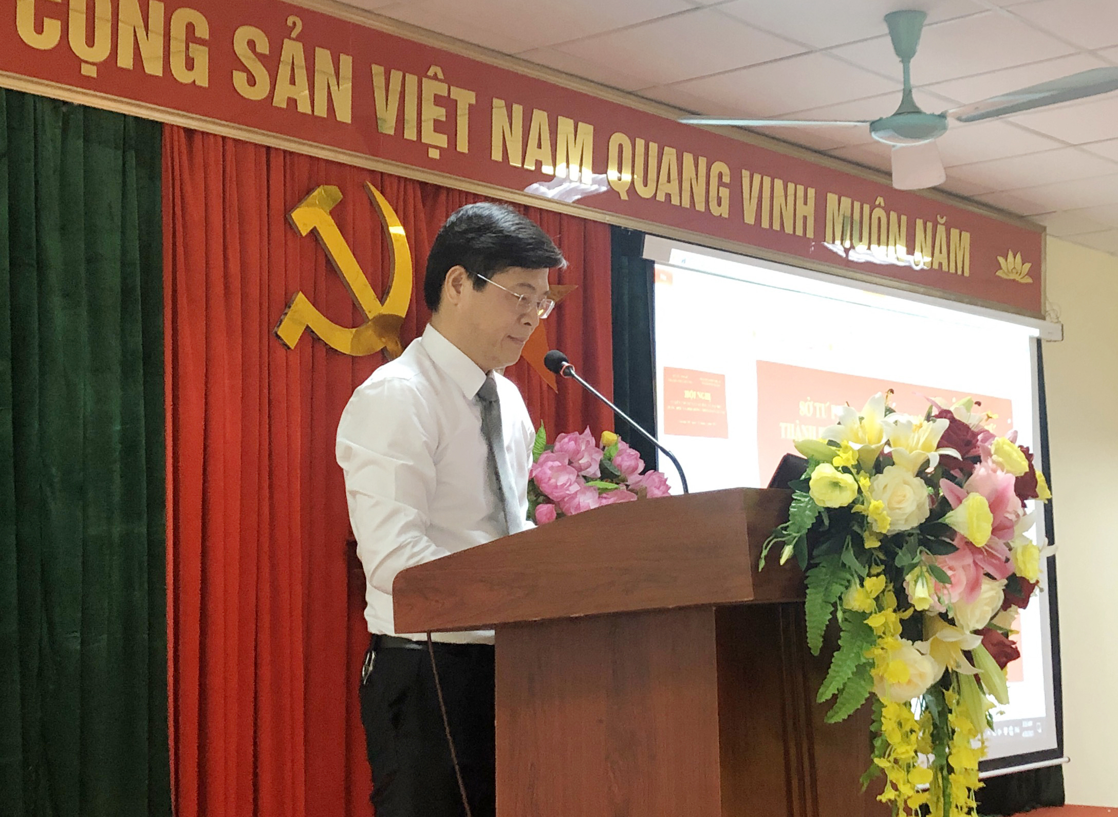 Thạc sĩ, luật sư Nguyễn Văn Hà báo cáo viên tại Hội nghị