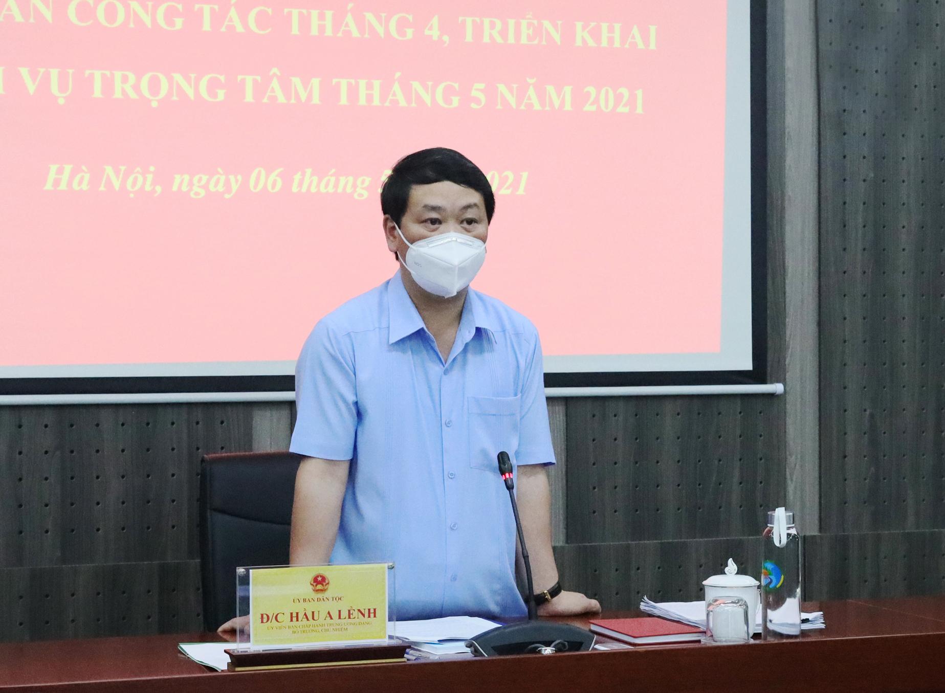 Bộ trưởng, Chủ nhiệm Hầu A Lềnh phát biểu chỉ đạo tại Hội nghị