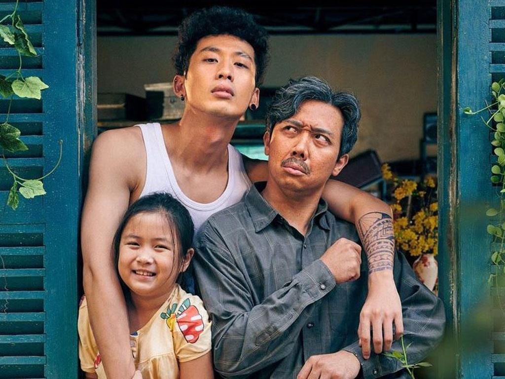 Phim Bố già được công chiếu tại Malaysia và Singapore