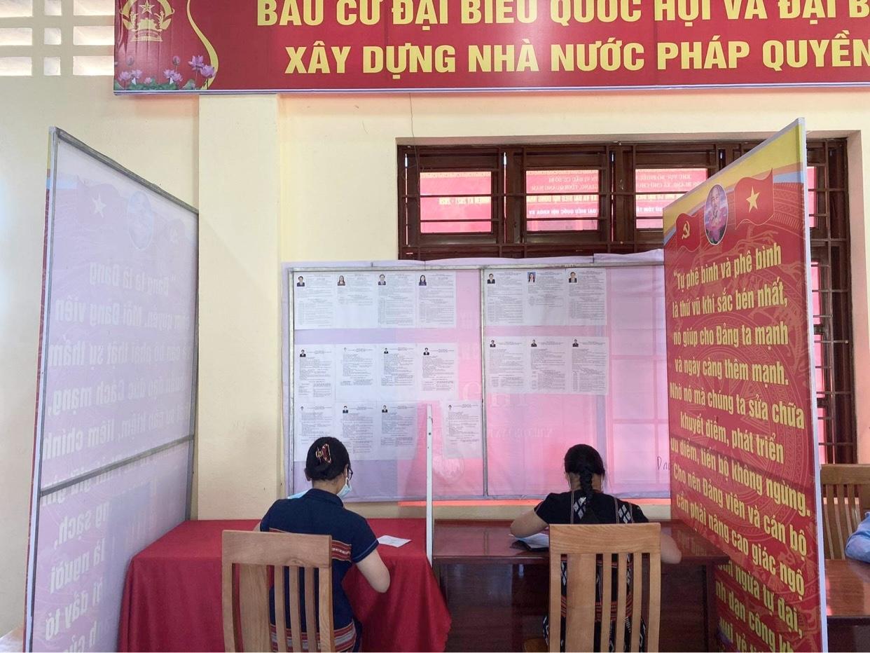 Quảng Nam: Rộn ràng ngày bầu cử sớm tại một số xã vùng cao biên giới  2