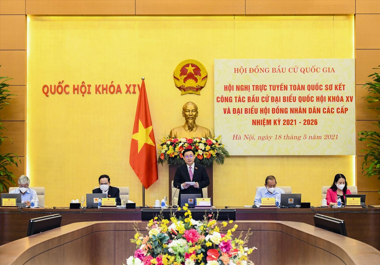 Chủ tịch Quốc hội Vương Đình Huệ phát biểu khai mạc hội nghị.