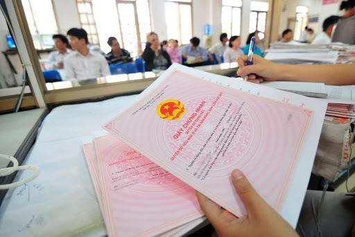 Bước cuối cùng là nhận giấy chứng nhận quyền sử dụng đất đã được đăng ký biến động