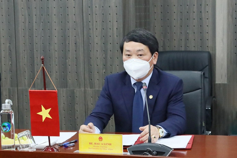 Bộ trưởng, Chủ nhiệm Hầu A Lềnh phát biểu tại buổi làm việc