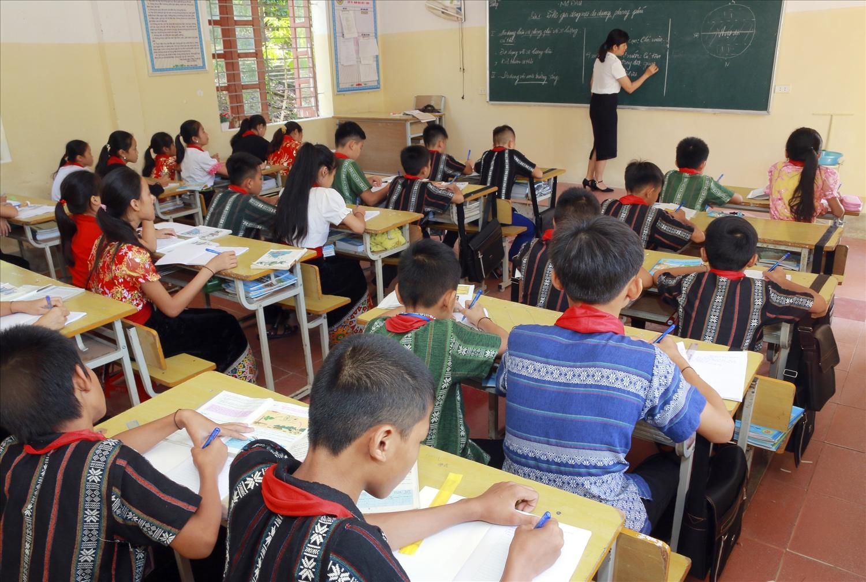 Các em học sinh của Trường đều ý thức cao việc bảo tồn, gìn giữ bản sắc văn hóa dân tộc mình