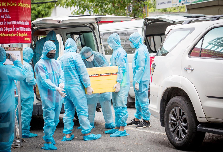 Hàng trăm ngàn mẫu xét nghiệm đã được lấy trong thời gian ngắn tại Đà Nẵng