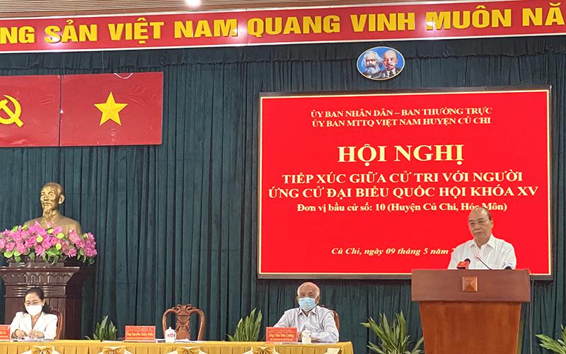Chủ tịch nước Nguyễn Xuân Phúc trình bày Chương trình hành động tại Hội nghị tiếp xúc cử tri huyện Củ Chi sáng 9/5