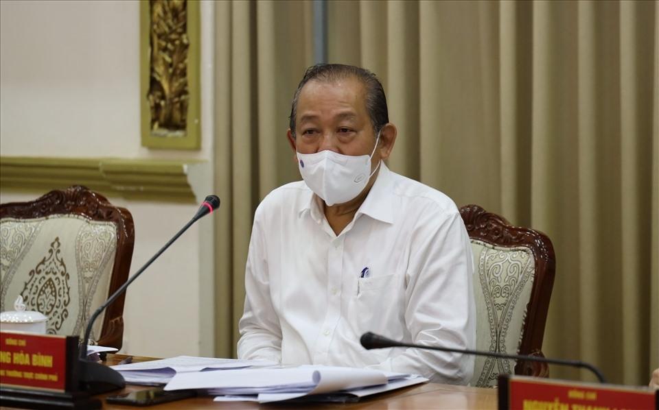 Phó Thủ tướng Thường trực Chính phủ Trương Hoà Bình chỉ đạo tại buổi họp về tình hình dịch bệnh COVID-19 trên địa bàn TP Hồ Chí Minh ngày 1/6. Ảnh: HN