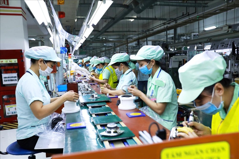 Hàng trăm ngàn lao động bị mất việc do dịch Covid-19.