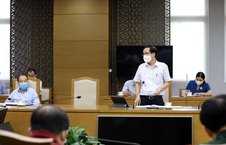 Cục trưởng Cục Y tế dự phòng Đặng Quang Tấn cho biết số ca mắc mới bắt đầu có xu hướng chững lại. Ảnh VGP