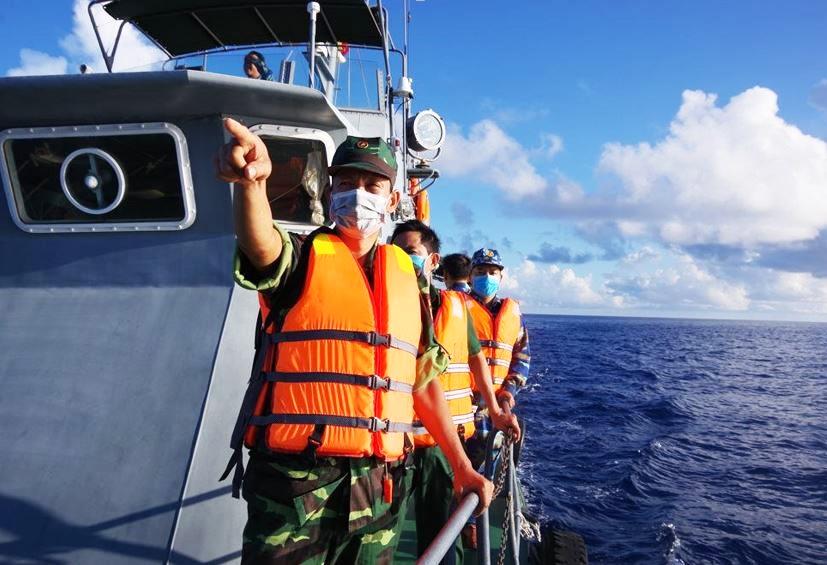 Hải đội Biên phòng 2, Bộ đội Biên phòng Bà Rịa – Vũng Tàu tuần tra kiểm soát, ngăn chặn phòng, chống dịch Covid-19 và chống xuất, nhập cảnh trái phép qua đường biển. (Ảnh: Bộ đội Biên phòng Bà Rịa – Vũng Tàu)
