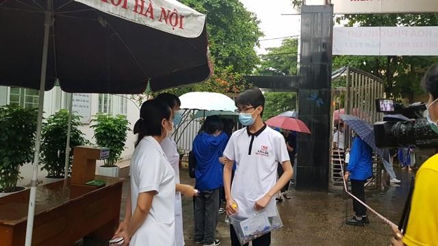 Thí sinh tại Phú Thọ tham dự kỳ thi vào lớp 10 THPT năm học 2021-2022. Ảnh: BGDTĐ