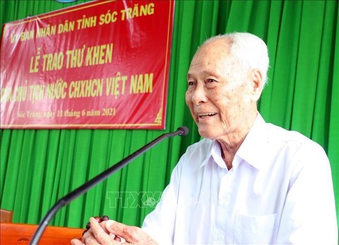 Cụ Trần Cang phát biểu tại buổi lễ.