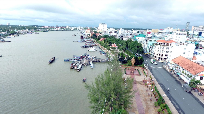 Bến Ninh Kiều bên bờ sông Cần Thơ
