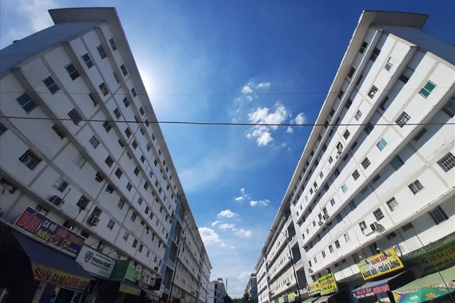 Dự án nhà ở xã hội Hòa Lợi ngay sát bên cạnh khu công nghiệp Đồng An 2 và VSIP 2, đáp ứng nhu cầu chỗ ở cho người lao động. Ảnh: Đình Trọng
