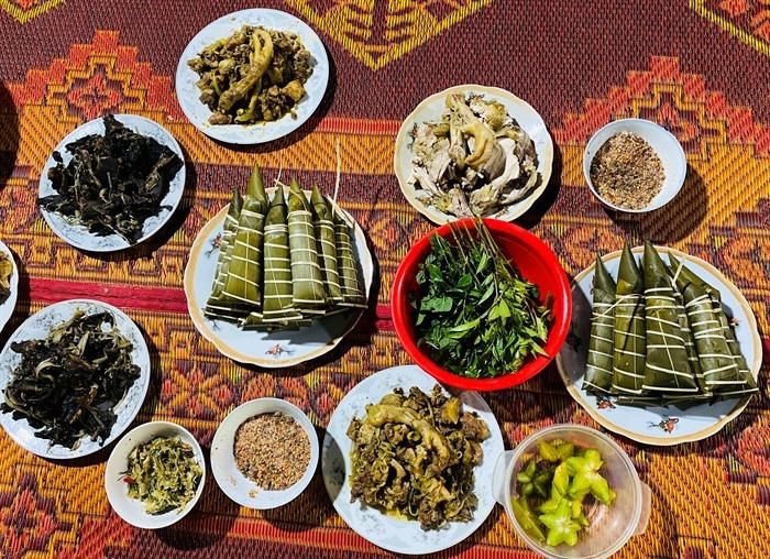 Những món ăn chính trong Tết Cha-Kchah
