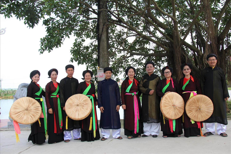 Một buổi sinh hoạt của CLB Quan họ làng Đình Cả