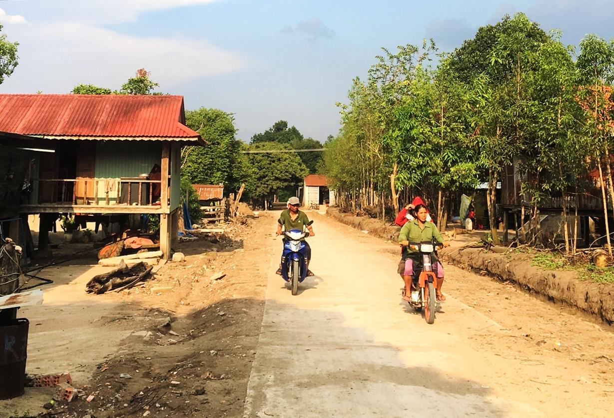 Đường giao thông liên thôn của xã Ia Dom vừa được đưa vào sử dụng