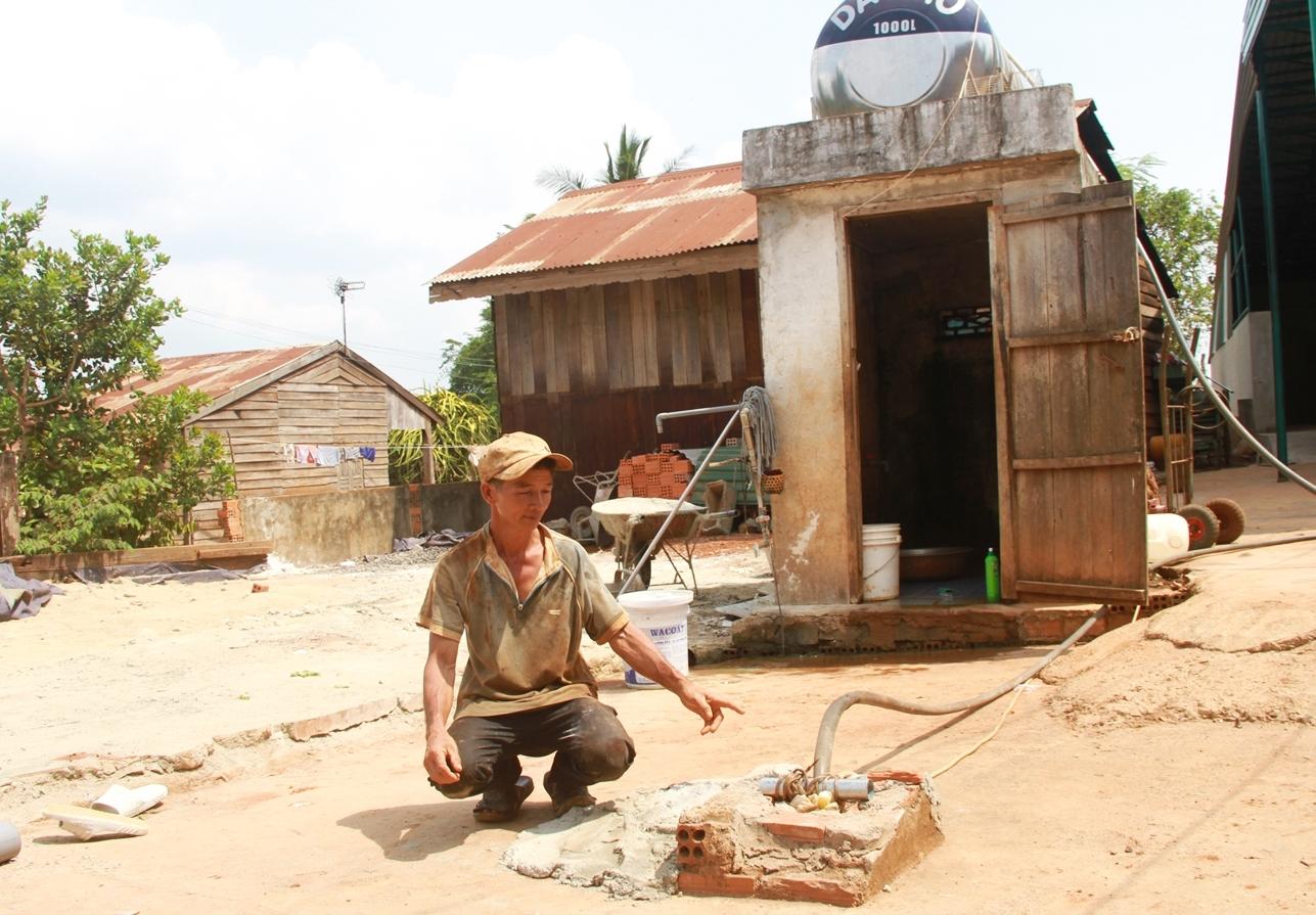 Người dân xã Đắk Gằn, huyện Đắk Mil, tỉnh Đắk Nông thiếu nước sinh hoạt mùa khô