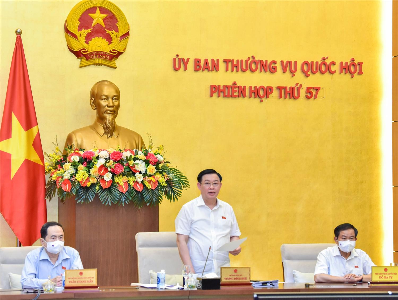 Chủ tịch Quốc hội Vương Đình Huệ phát biểu bế mạc phiên họp. Ảnh: VGP/Nguyễn Hoàng