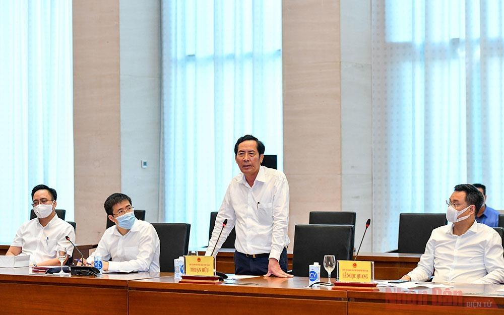 Chủ tịch Hội Nhà báo Việt Nam Thuận Hữu phát biểu tại buổi làm việc.