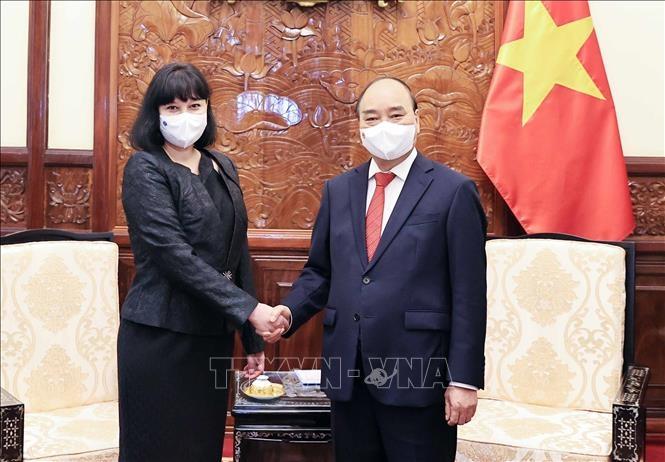 Chủ tịch nước Nguyễn Xuân Phúc tiếp các Đại sứ trình Quốc thư 8