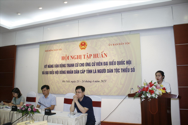 Quàng Thị Nguyệt tự tin vận động tranh cử