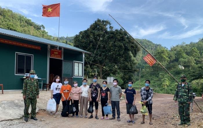 9 công dân Việt Nam nhập cảnh trái phép từ Trung Quốc vào Việt Nam. Ảnh: Công Ngọc