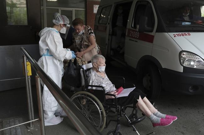 Hơn 179,8 triệu người trên thế giới đã nhiễm virus SARS-CoV-2. (Ảnh: AP)