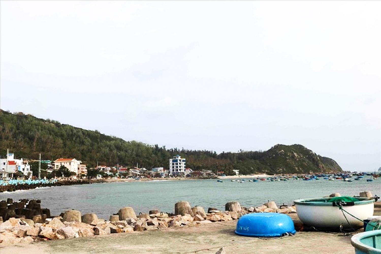 Một góc bến cảng xã đảo Nhơn Châu