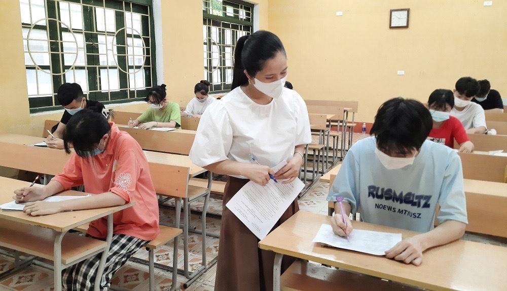 Mỗi lớp học ôn tập được các trường bố trí không quá 20 học sinh, đảm bảo an toàn phòng, chống dịch