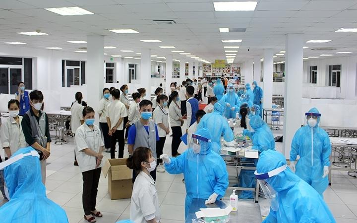 Công tác phòng chống Covid-19 được đẩy mạnh trong các KCN tại Thái Nguyên.