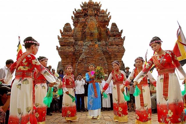 Những nghi lễ tôn giáo độc đáo của người Chăm Ninh Thuận 4