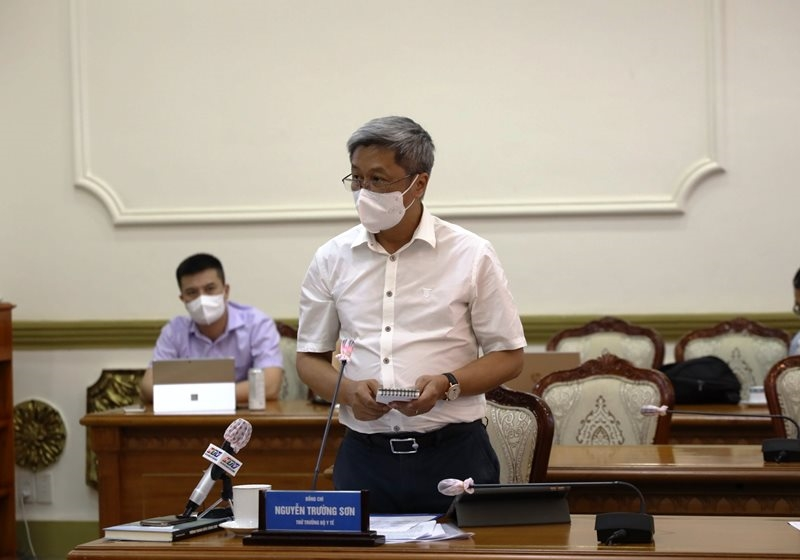 Thứ trưởng Y tế Nguyễn Trường Sơn phát biểu tại hội nghị