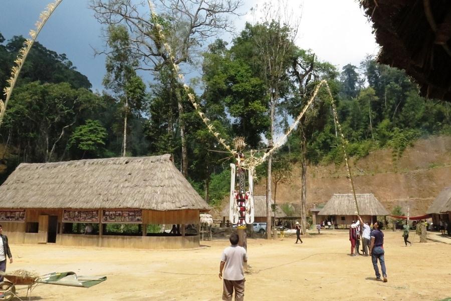 Làng du lịch sinh thái Pơ mu là nơi tổ chức các lễ hội truyền thống của đồng bào Cơ Tu