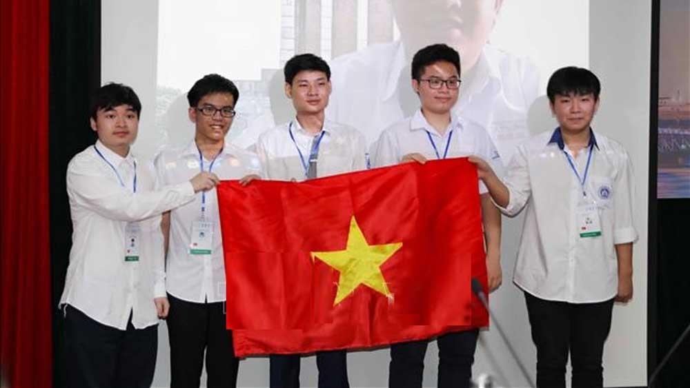 Đội tuyển dự thi Olympic Toán học quốc tế năm 2021