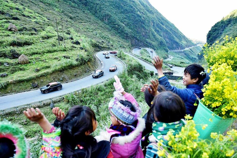 Dốc Bắc Sum là con dốc cheo leo hiểm trở bậc nhất ở Hà Giang