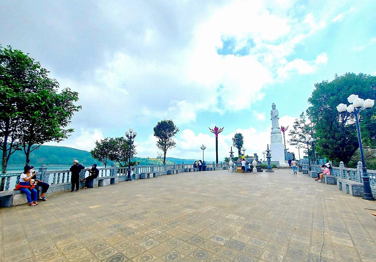 Khu du lịch sinh thái - tâm linh Biển Hồ (TP. Pleiku) vắng khách tham quan