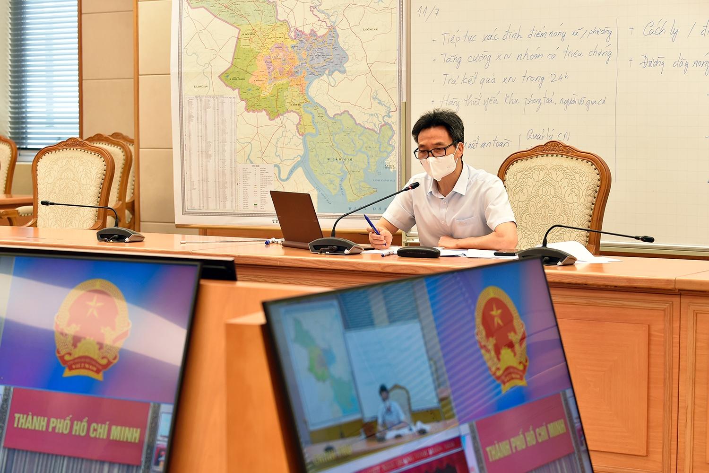 Phó Thủ tướng đề nghị TPHCM tập trung xét nghiệm theo các hướng chỉ điểm của hoạt động điều tra, phân tích dịch tễ cho đúng, cho trúng, có trọng tâm, trọng điểm