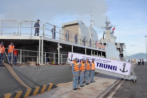 Biên đội tàu 015-Trần Hưng Đạo, tàu 016-Quang Trung