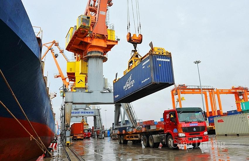 Hết tháng 6, quy mô kim ngạch xuất nhập khẩu của Việt Nam đạt gần 318 tỷ USD, tương đương bình quân khoảng 53 tỷ USD/tháng