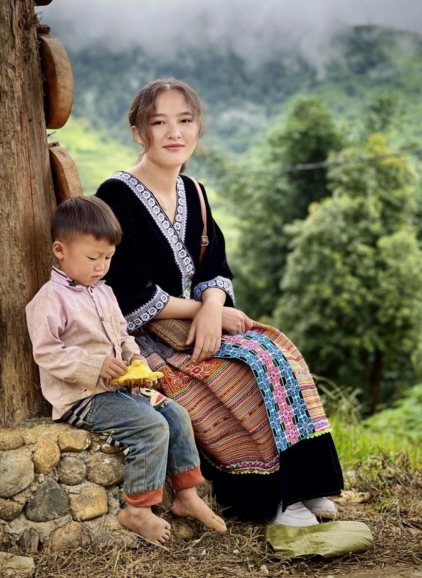 Điều đáng quý là người Sin Suối Hồ đều ý thức được rằng, một trong những điểm thu hút du khách đến đây, chính là bảo tồn được bản sắc vốn có của dân tộc Mông. (Ảnh: Xuân Mai/Vietnam+)