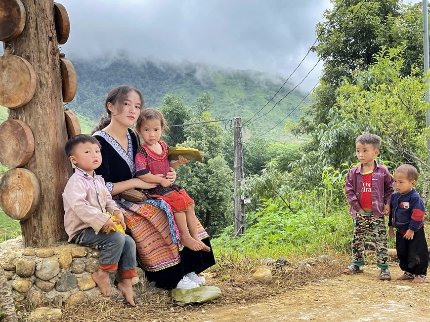 Trước kia, người dân Sin Suối Hồ chỉ biết cặm cụi làm nông nghiệp. Nhưng sau 5-6 năm làm quen với du lịch, tư duy và nhận thức của bà con đã có những thay đổi rõ rệt trong việc tận dụng lợi thế mà thiên nhiên ưu ái. (Ảnh: Xuân Mai/Vietnam+)