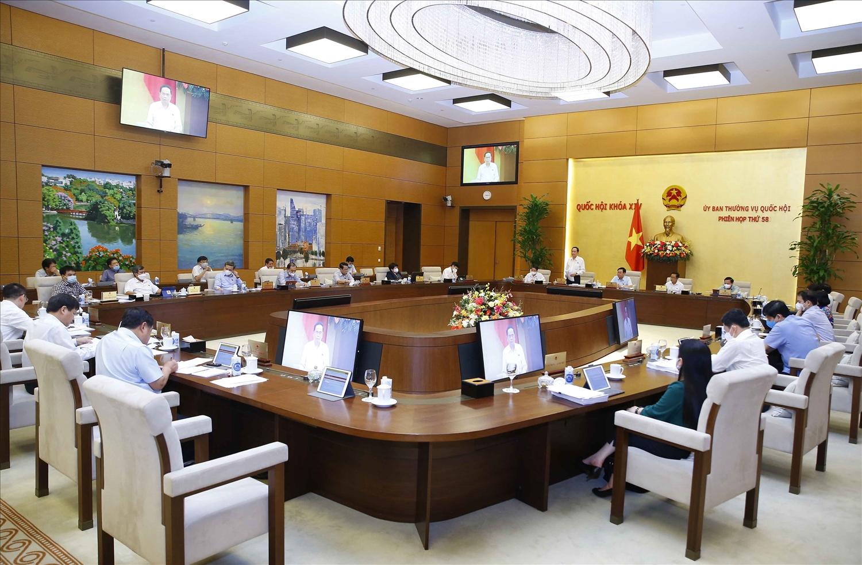 Toàn cảnh phiên họp. Ảnh:VGP/Nguyễn Hoàng