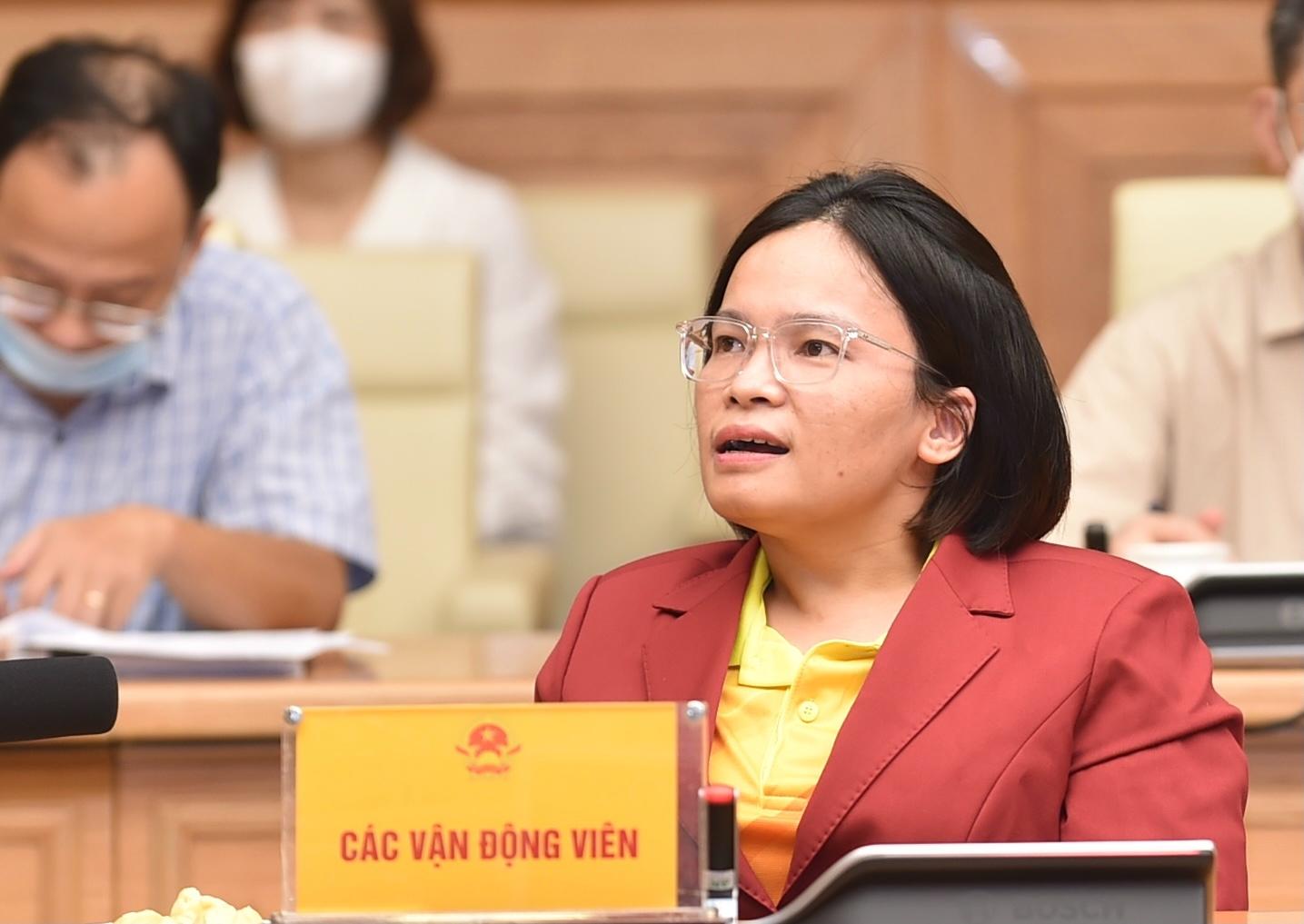 Vận động viên khuyết tật Trần Thị Bích Thủy (môn cờ vua) phát biểu tại cuộc gặp mặt với Thủ tướng Chính phủ - Ảnh: VGP/Nhật Bắc